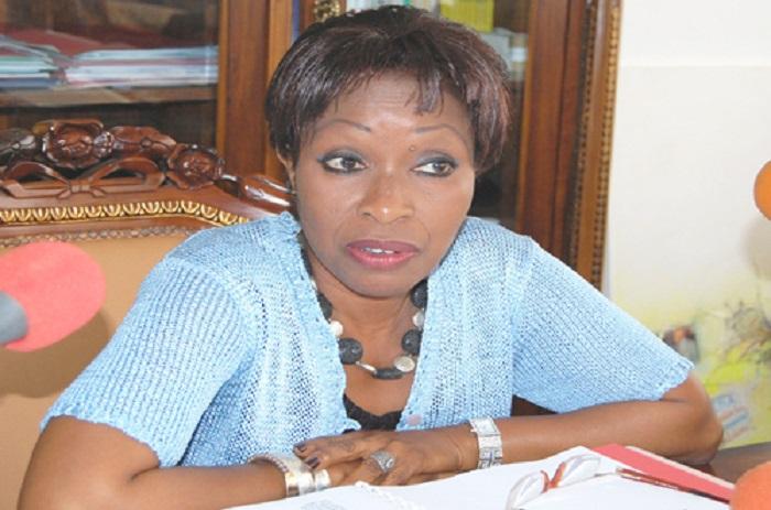 APR : les femmes du parti de Macky Sall «descendent» Awa Ndiaye.