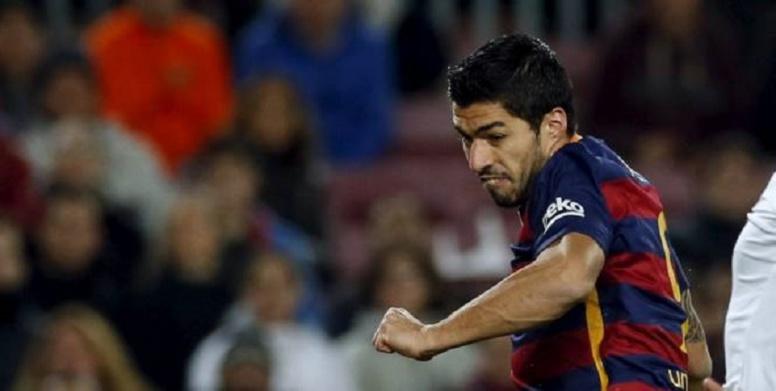 Barça: Luis Suarez a failli rater l'avion pour Londres