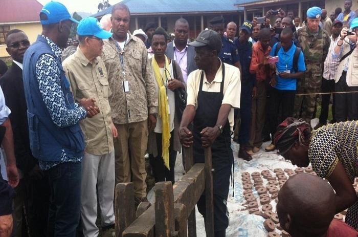 RDC: Ban Ki-moon à la rencontre des réfugiés du camp de Kitchanga