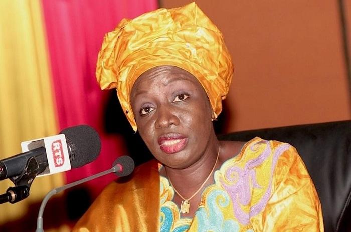 Aminata Touré fusille Abdoul Mbaye.