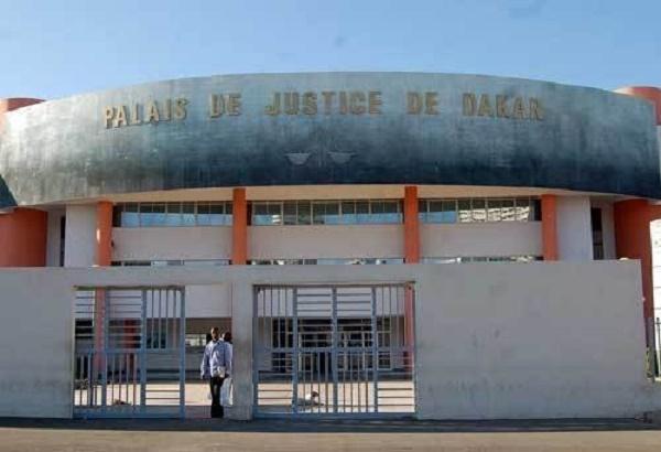 Vol en réunion, usage d'arme: le fils du magistrat Taïfour Diop et sa bande encourent 10 ans de travaux forcés