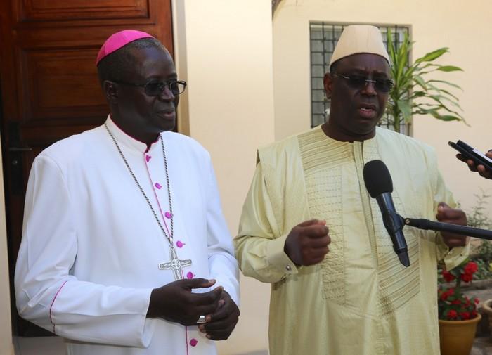Visite auprès de l'archevêque de Dakar : Macky Sall répond au camp du Non «la confrontation se fera par les urnes»