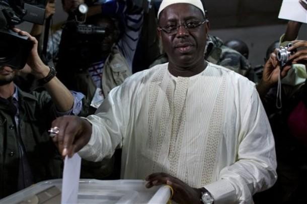 Dernière minute Référendum: Le président Sall vient d'arriver à Fatick