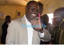 Direct Résultats Référendum: Khalifa Sall battu dans son bureau à Grand-Yoff