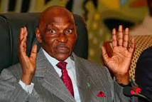Urgent: Me Abdoulaye Wade défie le Président Macky Sall et annonce son retour.