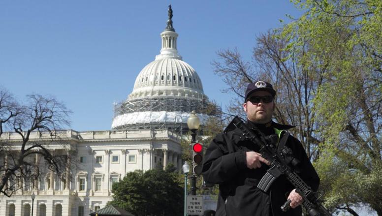Washington: un tireur interpellé après des coups de feu dans le Capitole