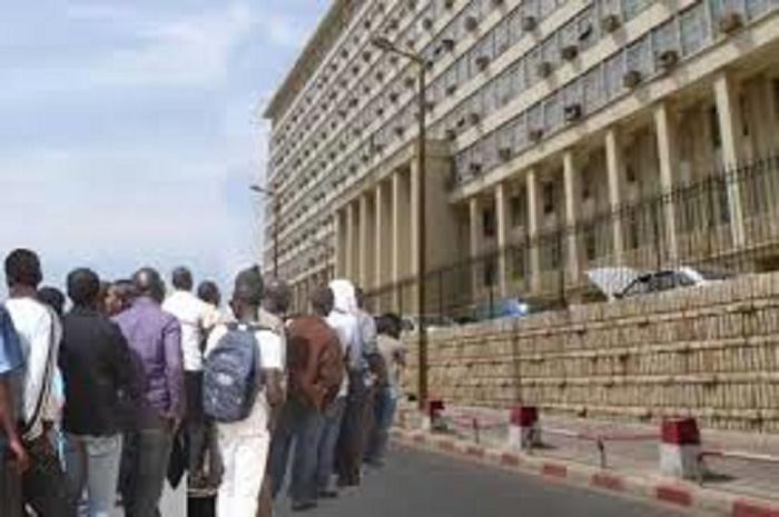 Mactar Dabo du syndicat national des cadres et employés «perturbe» le forum de l'administration