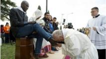 Le pape ramène de Lesbos 12 migrants