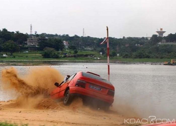 Côte d'ivoire: Un Taxi quitte la chaussée et manque un plongeon dans la lagune