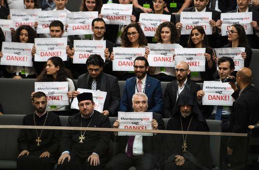 En réaction à la reconnaissance du génocide arménien par l'Allemagne, la Turquie rappelle son ambassadeur à Berlin