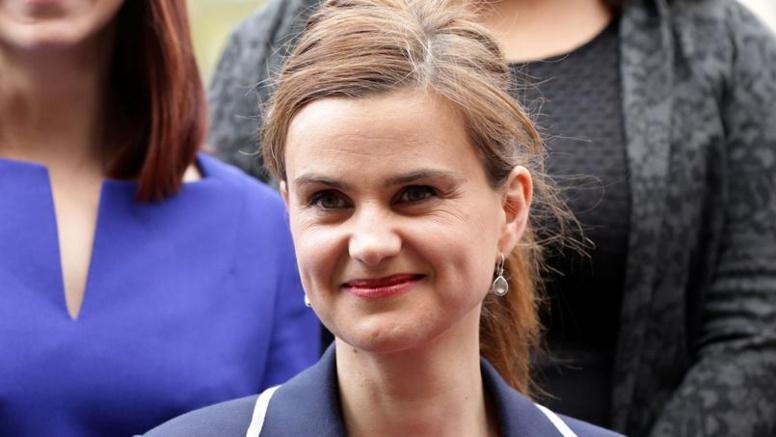 Une députée britannique tuée par balles en pleine campagne contre le Brexit