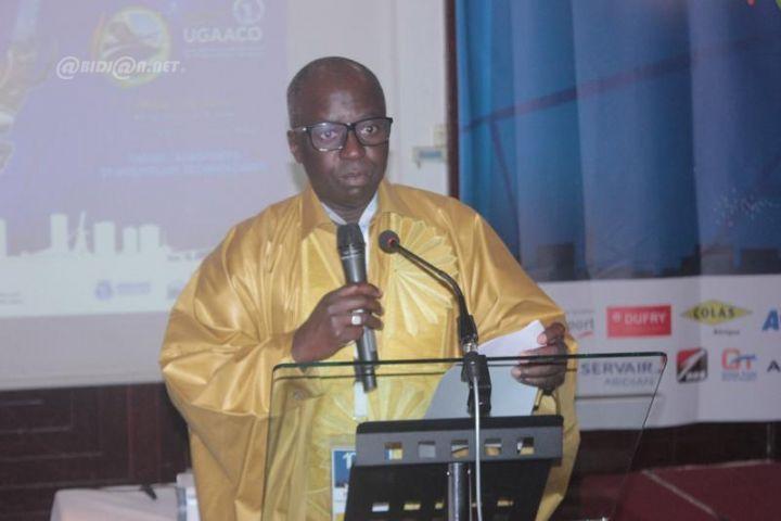 Le Dg des ADS  président sortant de l'ugaaco lors de la cérémonie officielle