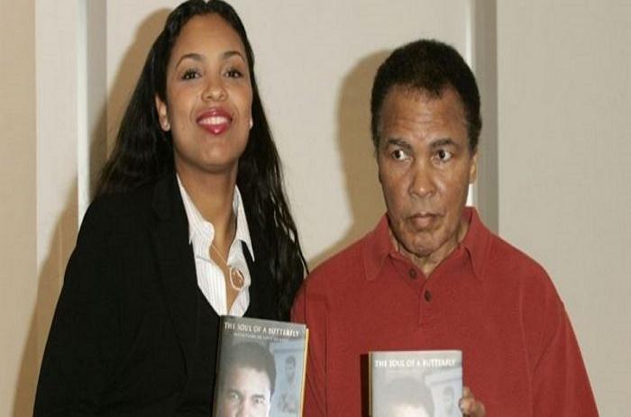 Décès de Mohamed Ali : Sa fille révèle un fait surprenant qui s'est produit alors qu'il rendait l'âme