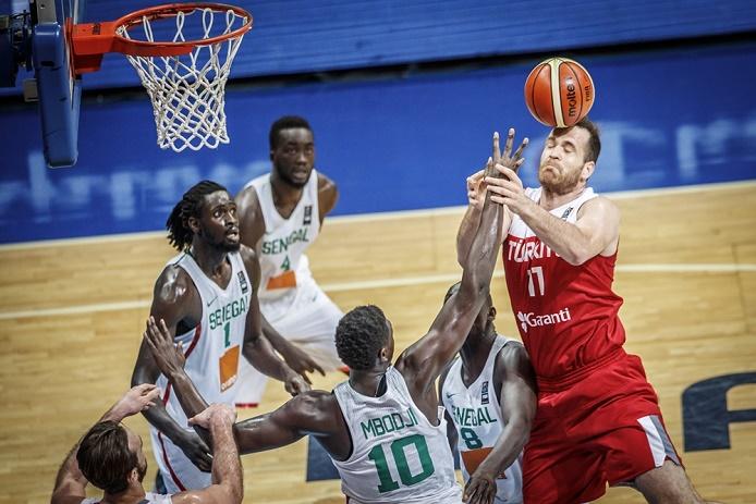 """Basket - Tournoi de Manille: Battus par la Turquie, les """"Lions"""" ne seront pas aux JO"""