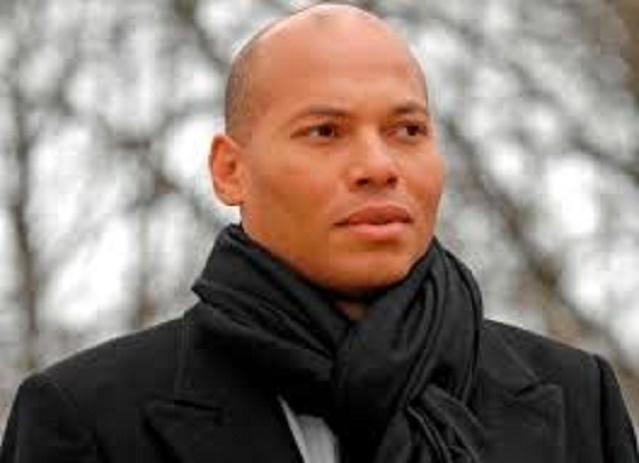 """Libération """"nébuleuse"""" de Karim Wade: la Cour suprême saisie, le FDVR porte plainte contre Macky Sall"""