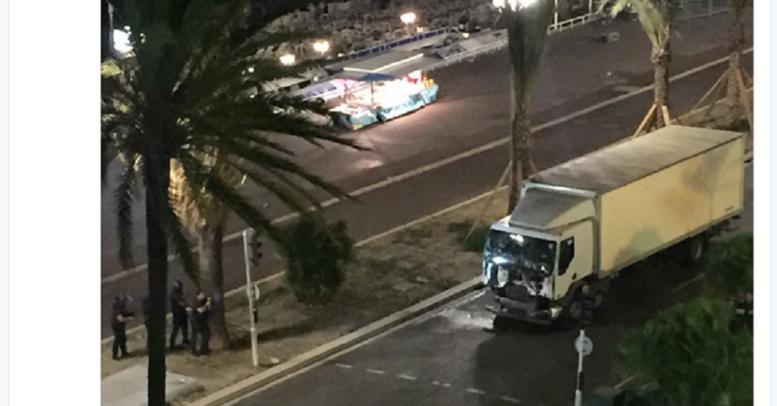 Attaque à Nice: un camion fonce dans la foule - 73 morts, 130 blessés