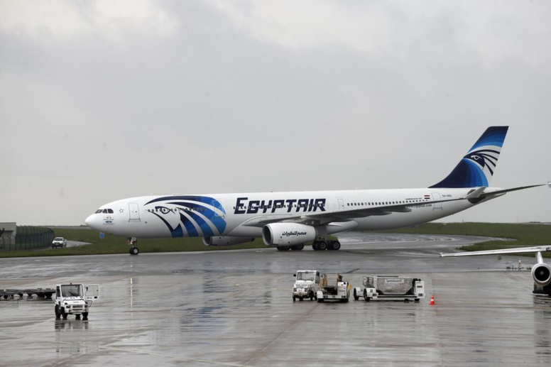 Egyptair : l'avion disparu en Méditerranée s'est désintégré après un incendie