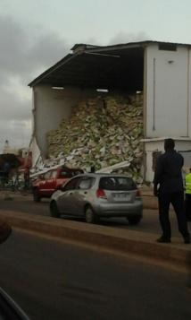 Dernière minute : Un hangar s'effondre à Zac Mbao, des personnes coincées dans les décombres