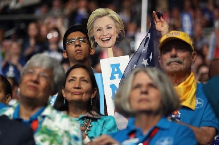 Etats-Unis : Hillary Clinton officiellement désignée candidate à la présidentielle