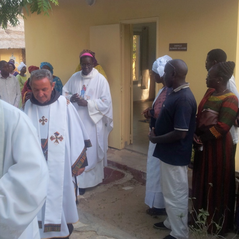 Mgr Benjamin Ndiaye célèbre le pardon d'Assise et inaugure le foyer des Franciscains à Dakar