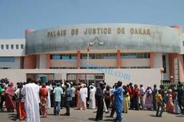 Escroquerie foncière: l'huissier Me Issa Mamadou Dia risque six (6) mois de prison
