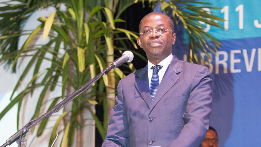 Gabon: le ministre de la Justice, Séraphin Moundounga, annonce sa démission