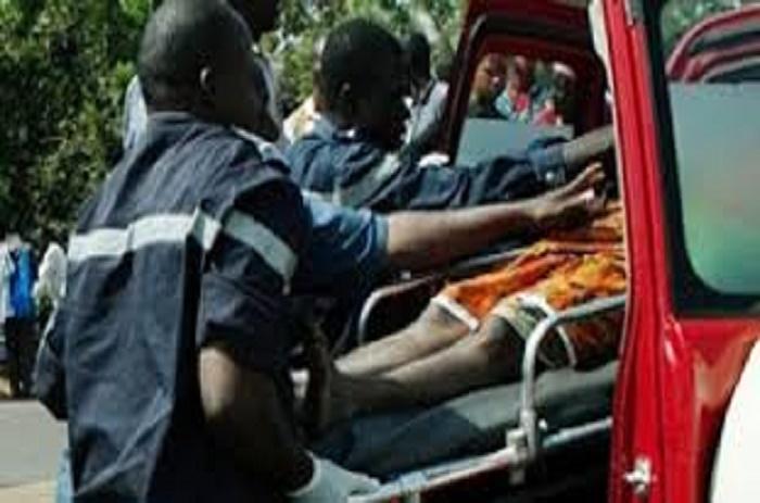Kaolack : Un camion termine sa course dans une boulangerie, bilan un mort, une femme