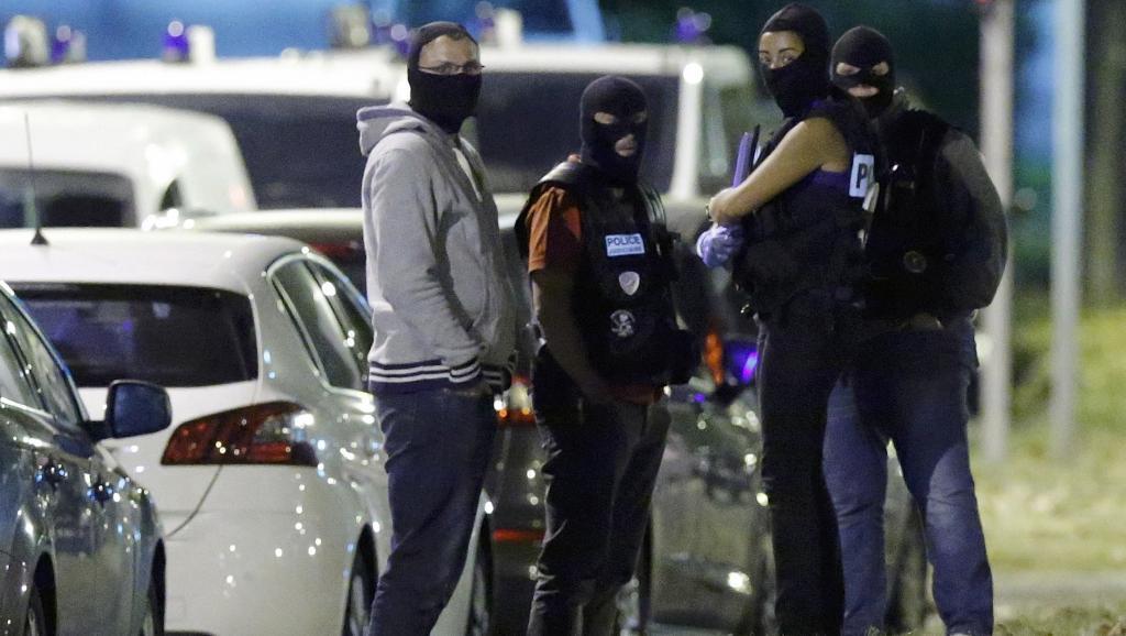 France: la présence de femmes dans les réseaux jihadistes jugée préoccupante