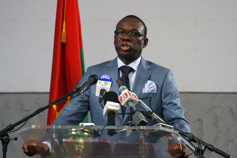Au Burkina Faso, un ex-premier ministre de Compaoré inculpé pour assassinat et écroué