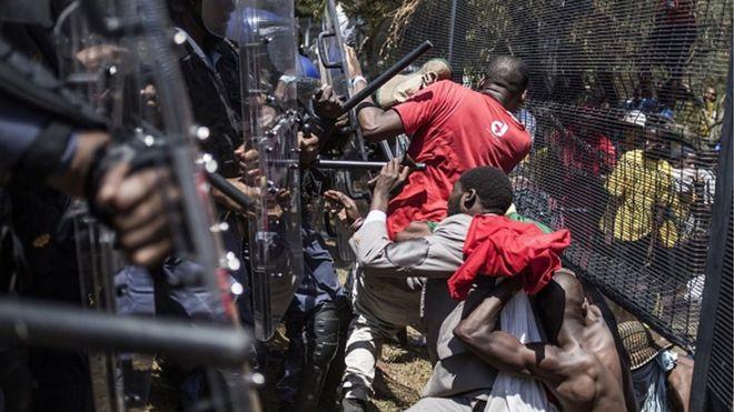 Les étudiants sud-africains restent en grève