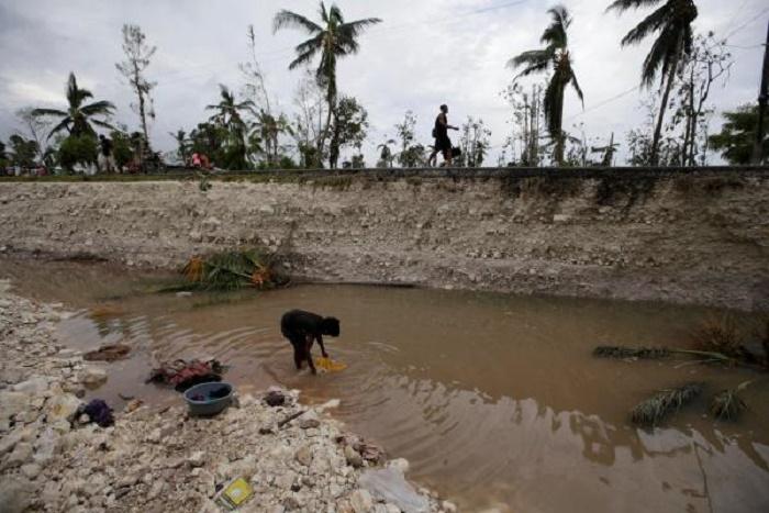 Dans Haïti, dévastée par l'ouragan Matthew, les habitants tentent de faire face