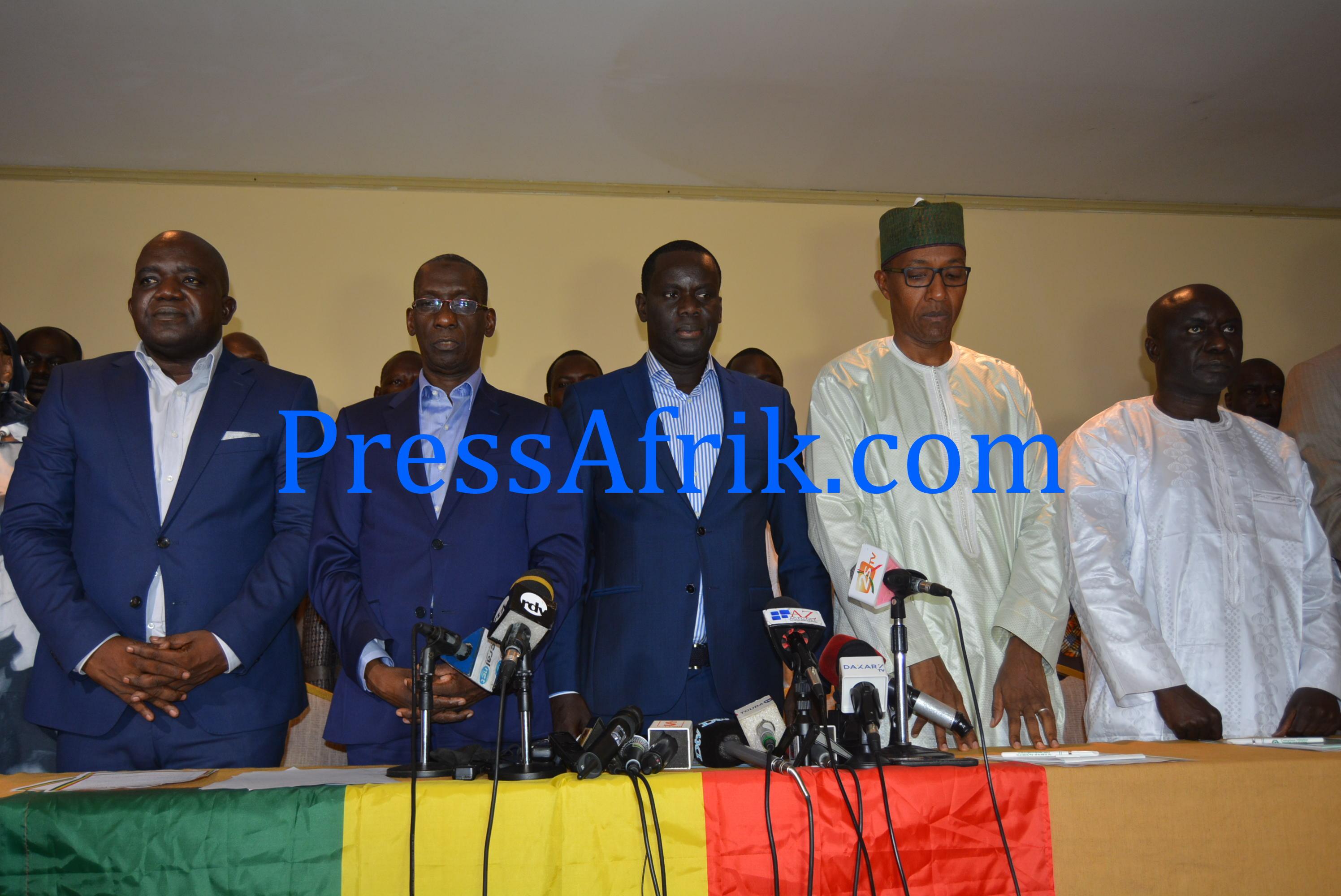 Manko Wattu Sénégal condamne une attaque barbare du siège de Rewmi et exige toute la lumière
