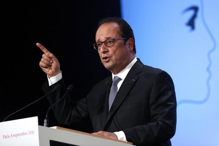 François Hollande se lâche sur l'islam dans un livre choc