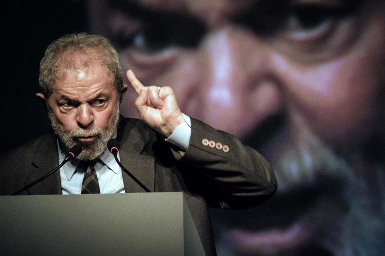 Brésil : M. Lula inculpé dans une affaire de contrats en Angola