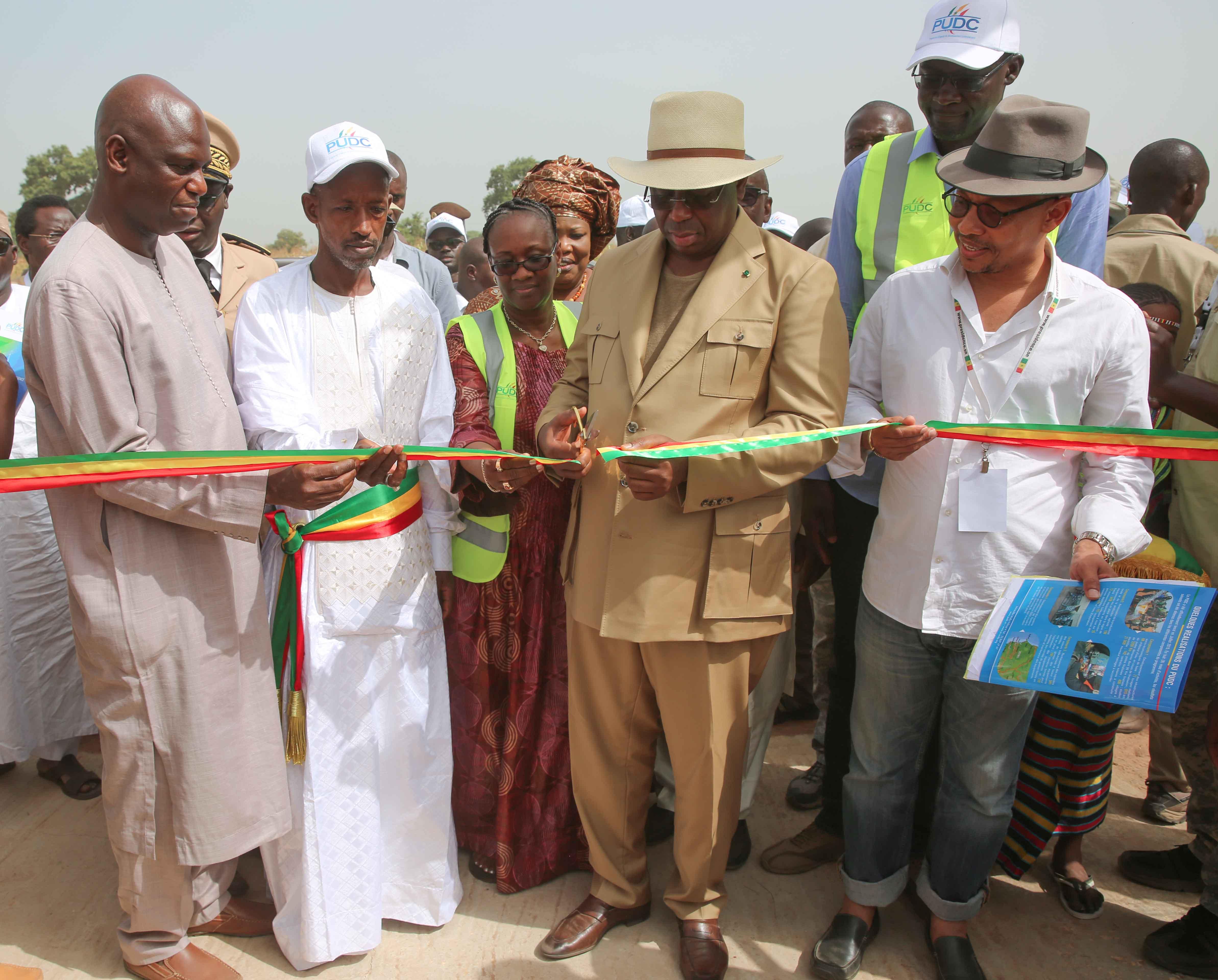 Inauguration du Forage multi-villages de sarré Bamol - Lancement officiel des travaux d'électrification rurale Dialacor - Visite piste Koungheul Maka Gouye (réalisation PUDC)