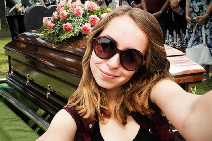 Santé: Les scientifiques associent les selfies au narcissisme, à la toxicomanie et à la maladie mentale