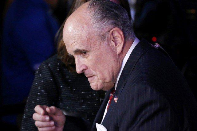 Etats-Unis: cité pour le poste de ministre de la Justice, Rudy Giuliani n'exclut pas des poursuites contre Hillary Clinton