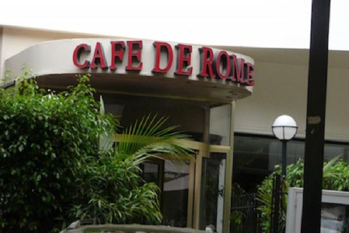 Descente musclée de la DIC au «Café de Rome»: 3 employés arrêtés et auditionnés par la Police