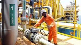 Le Nigeria va vendre certaines raffineries