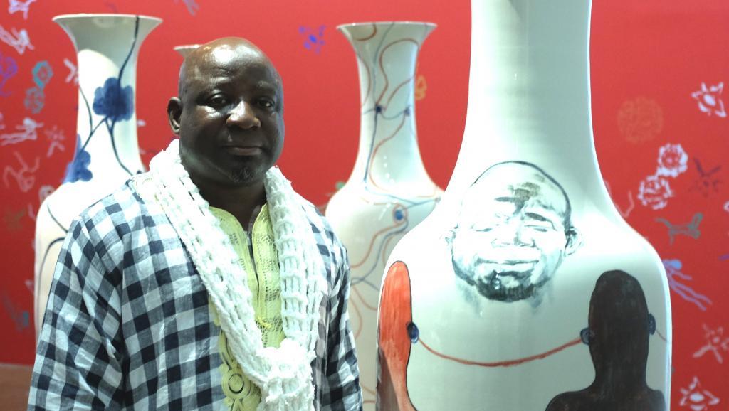 Journée contre le Sida: l'artiste Barthélémy Toguo veut «Vaincre le virus!»