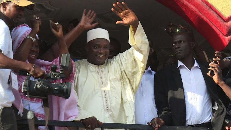 Gambie : le président élu, Adama Barrow, appelle à « descendre dans les rues aujourd'hui même »