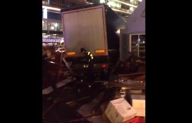 Berlin: un camion fonce dans un marché de Noël - plusieurs morts, 50 blessés