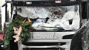 Drame du marché de Noël à Berlin: la piste de l'attentat se précise