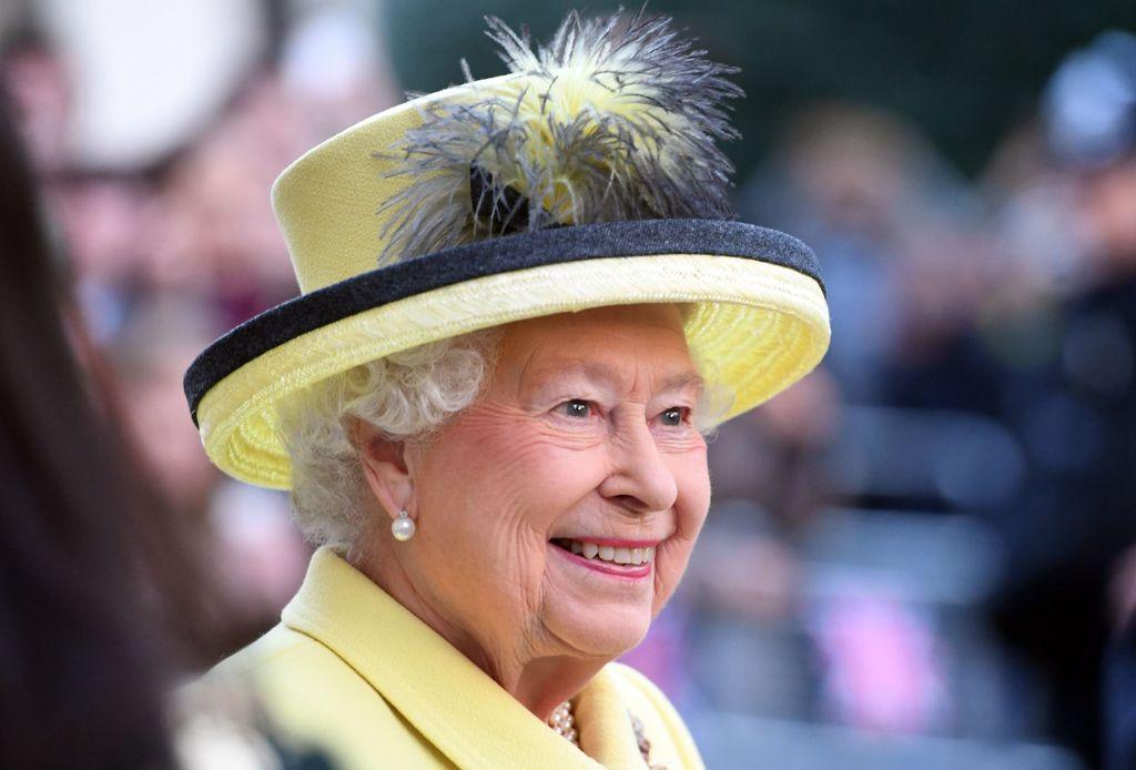 Elizabeth II, 90 ans, se ménage