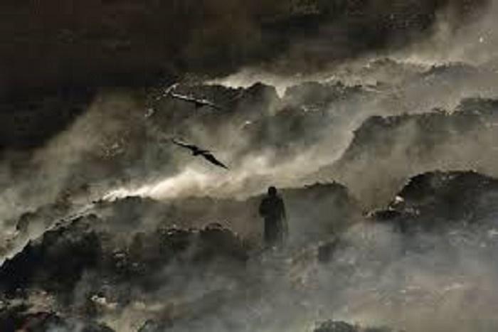Dernière minute : Incendie à la décharge de Mbeubeuss, bilan 2 morts