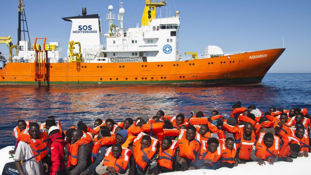 Sauvetage de migrants: «l'Aquarius» reste en mer pour Noël