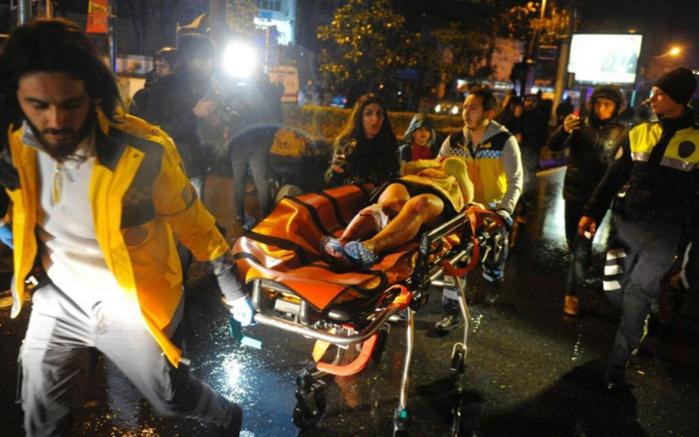 Attaque « terroriste » dans une boîte de nuit d'Istanbul : au moins 35 morts et 40 blessés graves