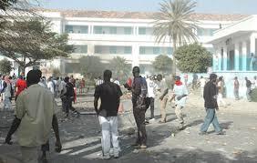 UCAD: des étudiants s'affrontent à coup de machettes – plusieurs blessés dont 1 dans un état critique