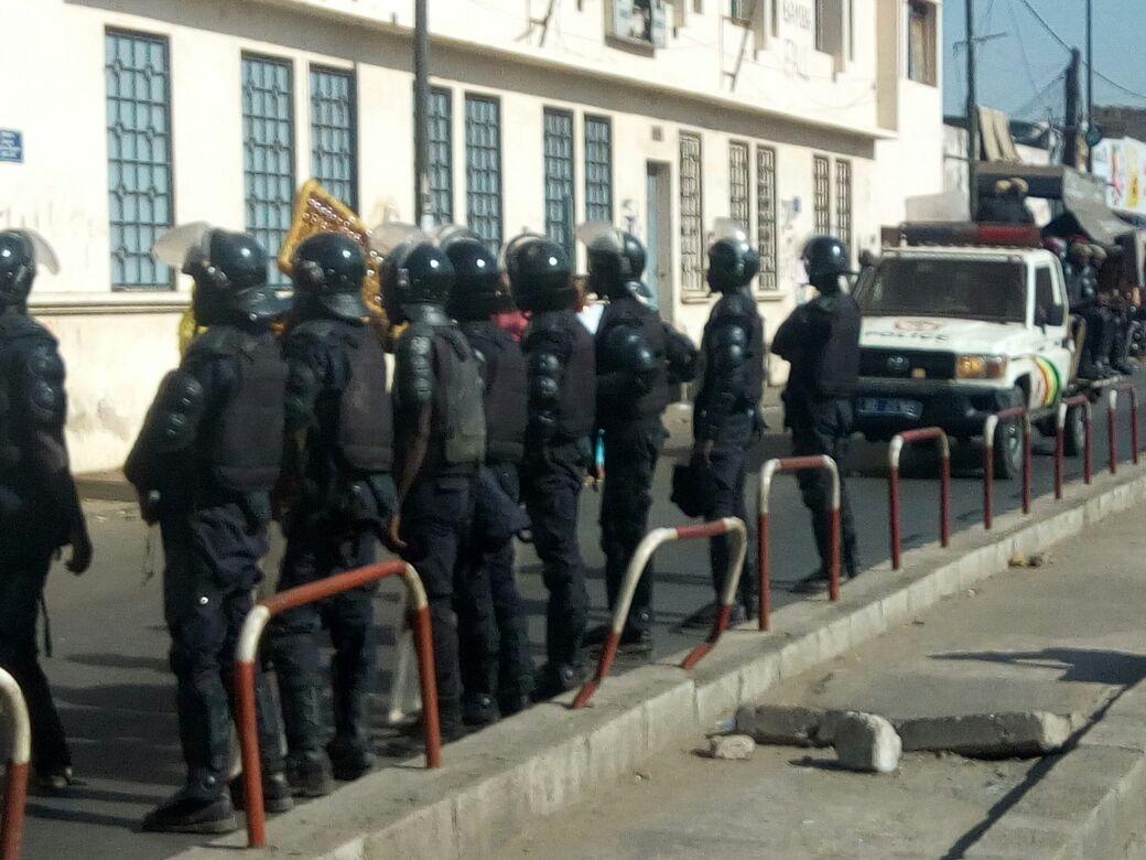 Rassemblement devant la mairie de la Médina sous haute sécurité