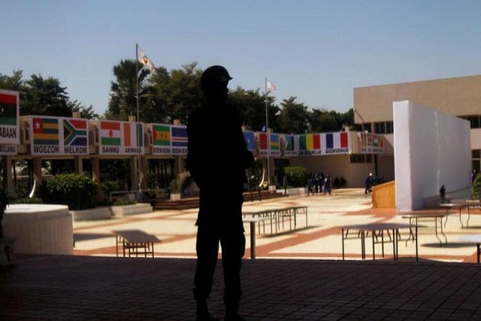 Sommet Afrique-France: les altermondialistes africains font leur bilan